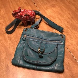 Teal leather Fossil purse 👜😍